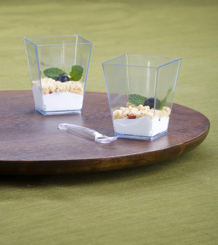 На фото: Пластиковые стаканчики - идеальный вариант для любого случая, автор: admin