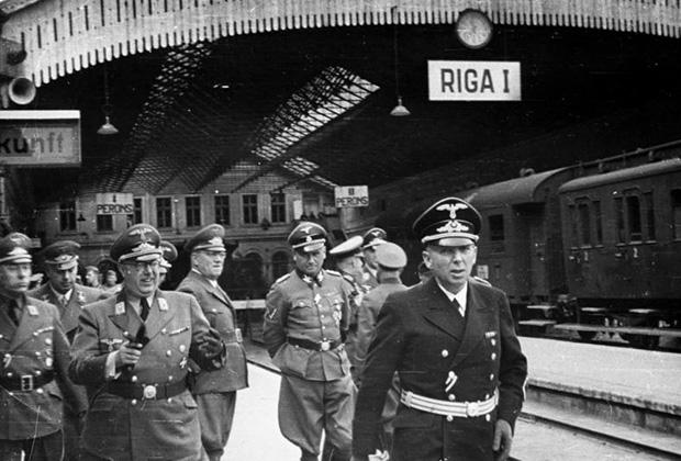 На фото: (18+) Участие латышей в геноциде евреев в фашистской Латвии: