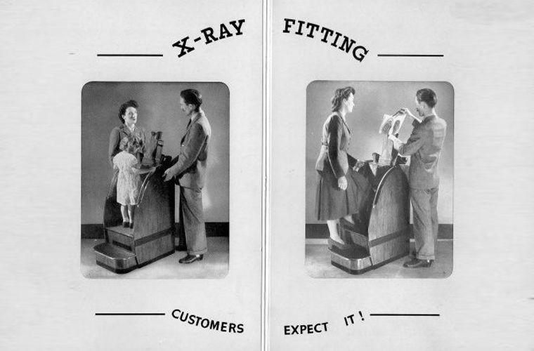 Зачем в первой половине XX века во время примерки обуви ноги просвечивали рентгеном