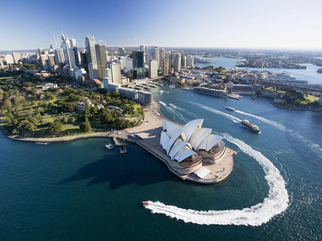 На фото: Австралия - такая Австралия. Бастилию снесли, а теперь и ключ украли, автор: Komissarov