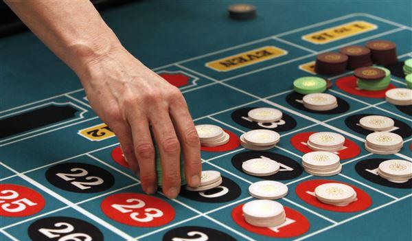 На фото: Ближайшие выборы в Украине крутятся вокруг ... азартного бизнеса! (авторский репортаж), автор: admin