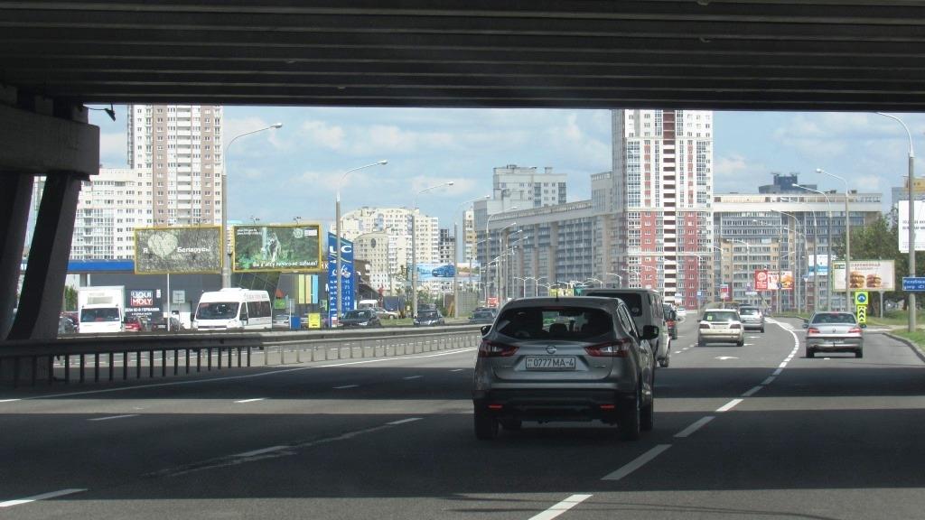 На фото: Сколько стоит поездка за МКАД в Простоквашино?, автор: admin