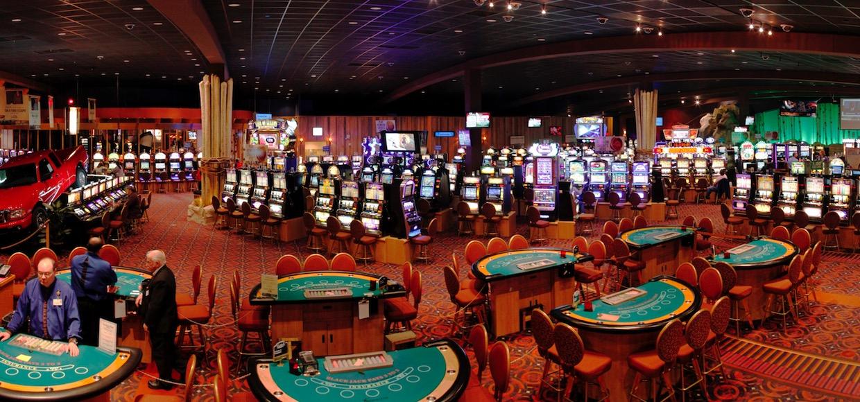 На фото: Скачать бесплатные азартные игровые автоматы в клубе Максбетслотс, автор: admin