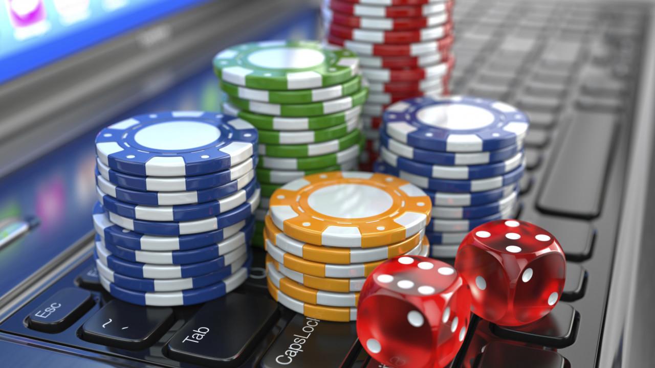 На фото: Как играть в казино онлайн, автор: admin