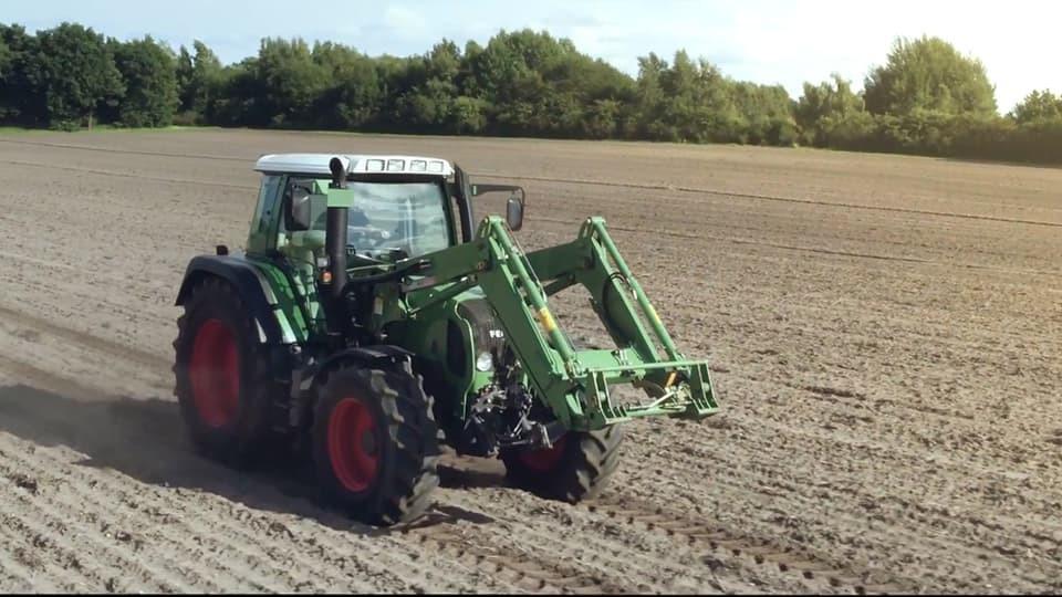На фото: Датчики в тракторных шинах: назначение и польза от применения, автор: admin
