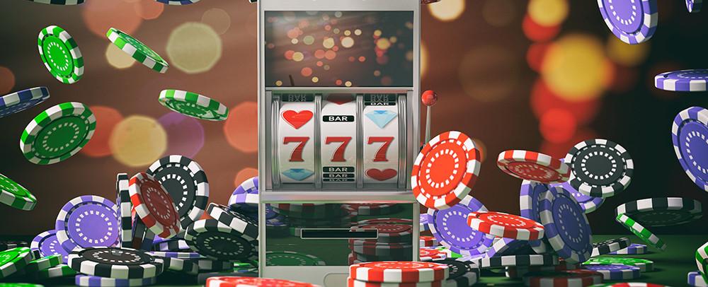 На фото: Игровой зал онлайн-казино и демонстрационный режим аппаратов, автор: admin