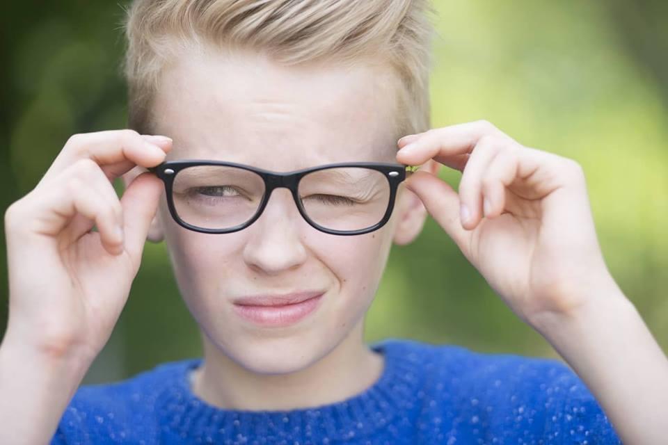 На фото: Как выбрать детские очки вашему ребенку, автор: admin