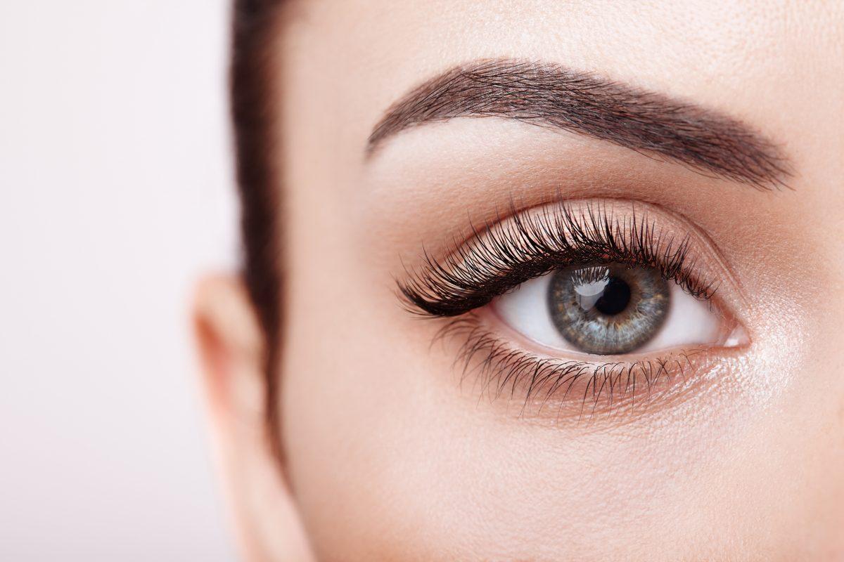 На фото: Как ухаживать за кожей в области глаз?, автор: admin