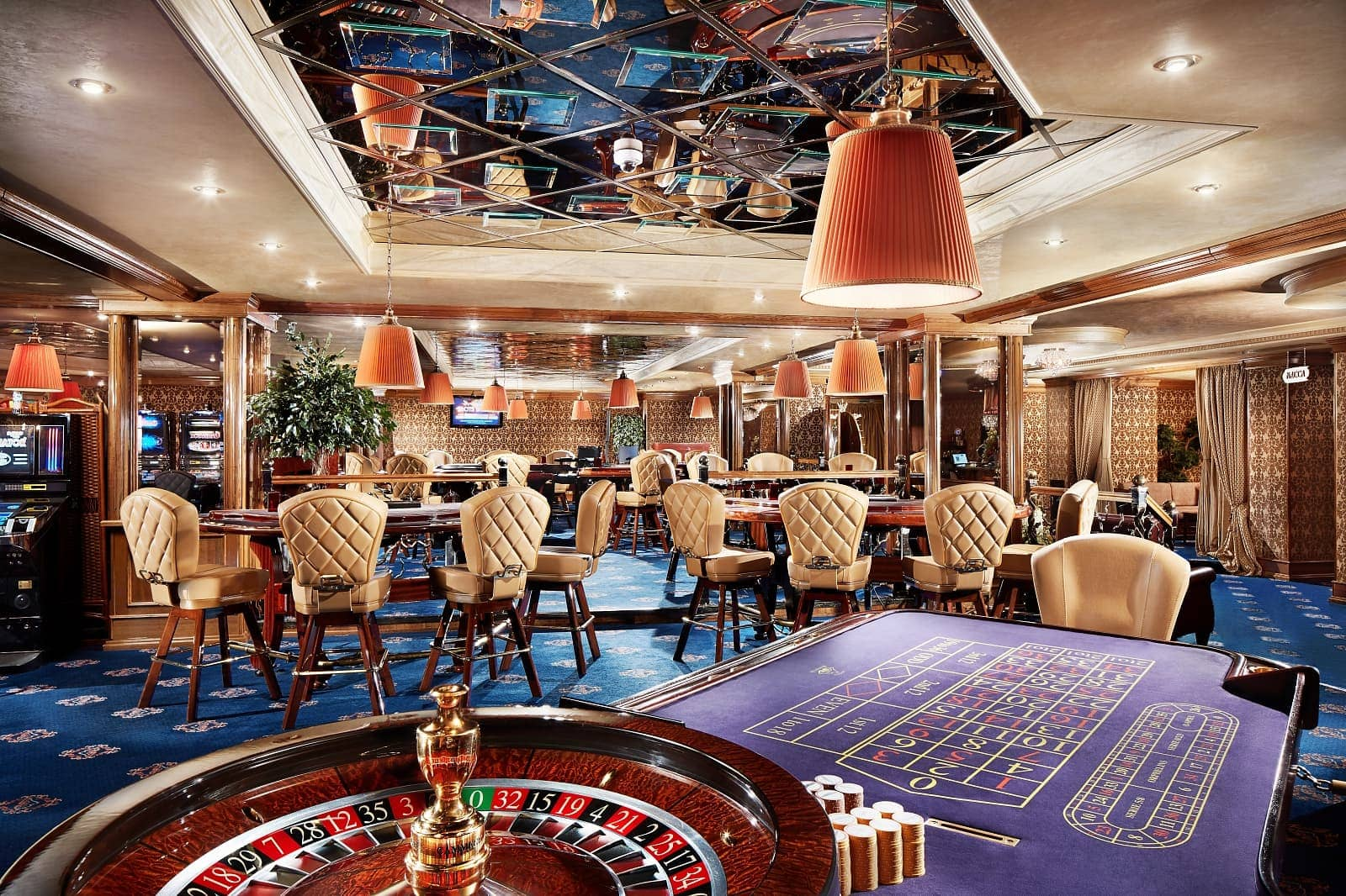 Интерьер казино Shangri La в Минске