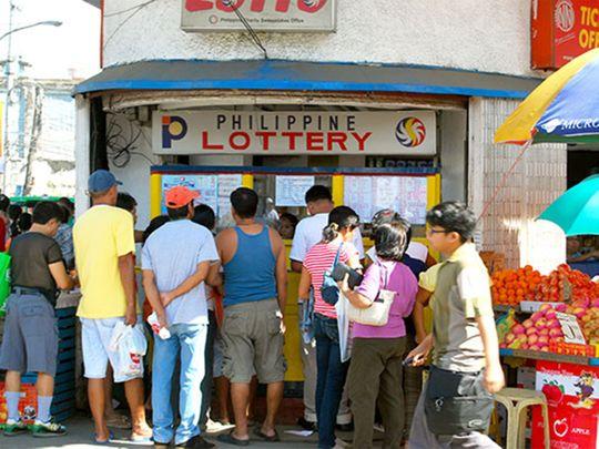 На фото: На Филиппинах люди ходят в церкви, чтобы попросить Господа победить в лотерею (авторский репортаж), автор: admin
