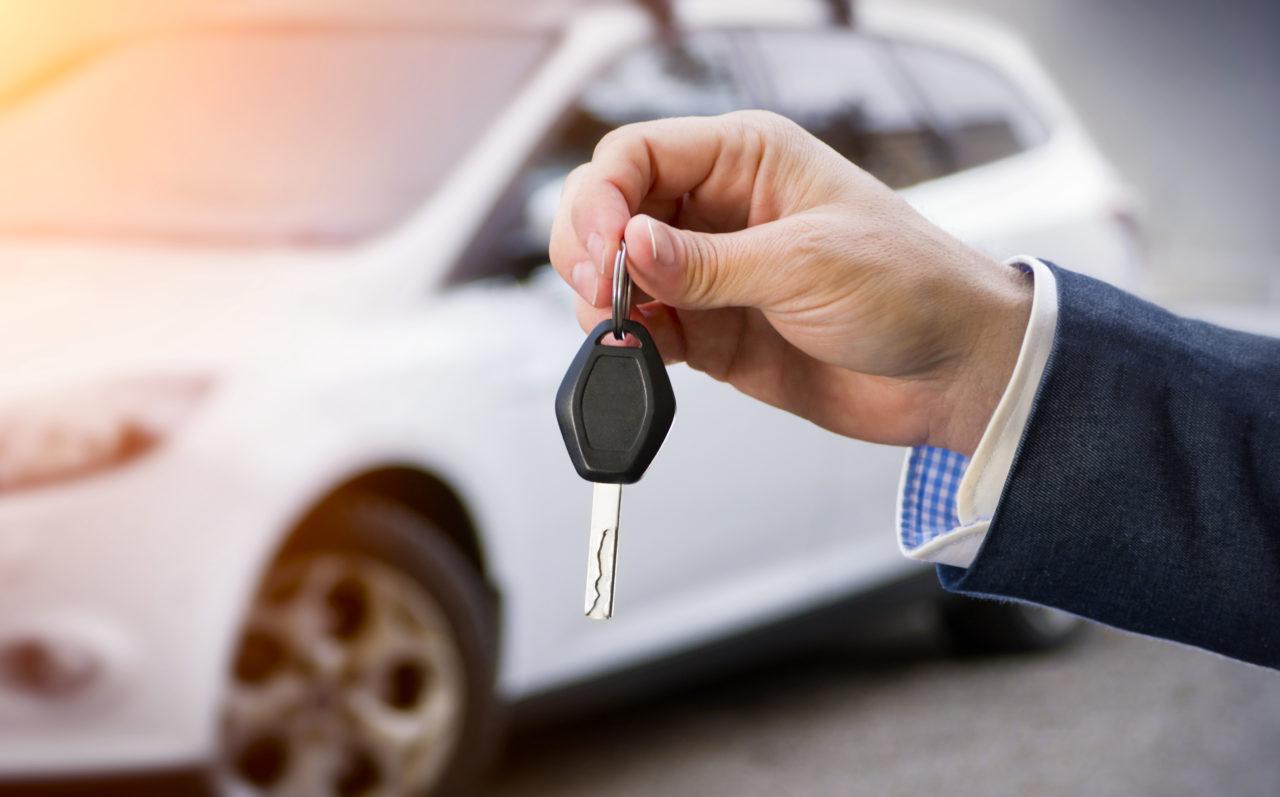 На фото: Как продать автомобиль через интернет?, автор: admin